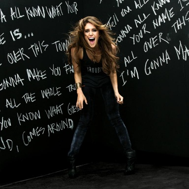 """KELLEIGH BANNEN RELEASES """"FAMOUS"""" NEW VIDEO EXCLUSIVELY ON VEVO"""