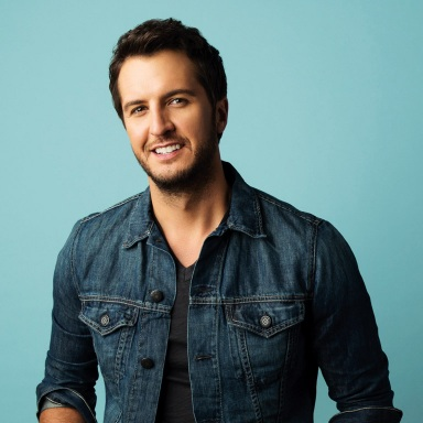 "LUKE BRYAN CELEBRATES NINTH NO. 1 SINGLE WITH ""DRINK A BEER"""