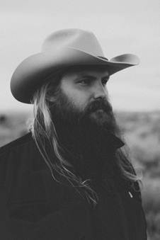 CHRIS STAPLETON RELEASES DEBUT SOLO ALBUM TRAVELLER ON MAY 5
