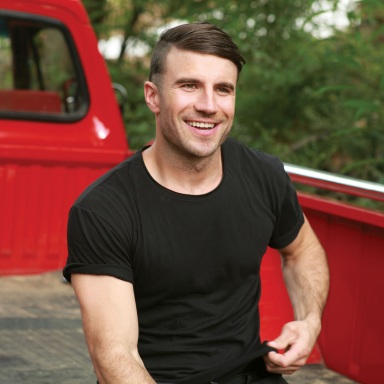 SAM HUNT IS AMONG THE FINAL NOMINEES FOR THIS YEAR'S ACM NEW ARTIST OF THE YEAR AWARD.