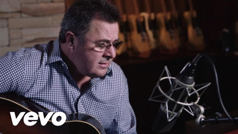 Vince Gill – Sad One Comin' On (A Song For George Jones) (Acoustic)