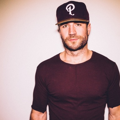 "SAM HUNT MAKES BILLBOARD HISTORY: SCORES FOURTH No. 1 FROM DEBUT ALBUM WITH ""MAKE YOU MISS ME"""