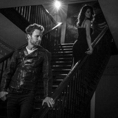 """DIERKS BENTLEY SHINES WITH THE RELEASE OF """"BLACK"""" TODAY, HAILED AS THE """"SEXIEST SONG OF HIS CAREER"""""""